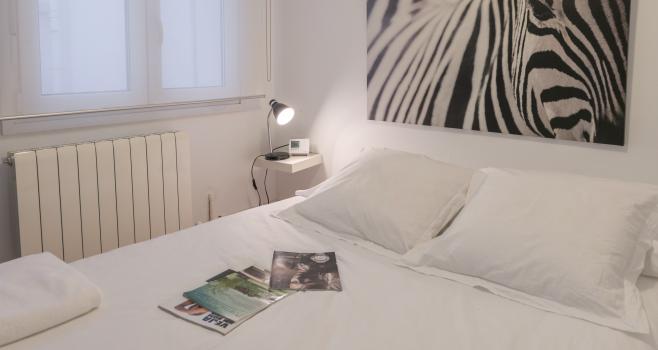 http://www.apartamentosencandelario.es/wp-content/uploads/2016/09/apartamentos-en-candelario-bejar-salamanca-la-covatilla-estudio-apartamento-casa-rural-3.png