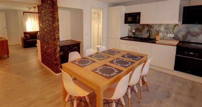 http://www.apartamentosencandelario.es/wp-content/uploads/2018/01/apartamentos-candelario-casa-rural-el-mirador-portada.jpg